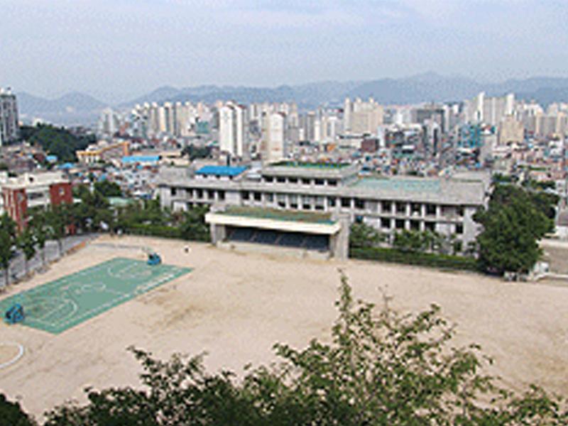 경남대학교 대운동장 지하주차장